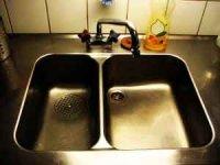 Как научить ребенка мыть посуду