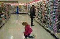 Как избежать стресса в магазине, отправляясь за покупками с детьми